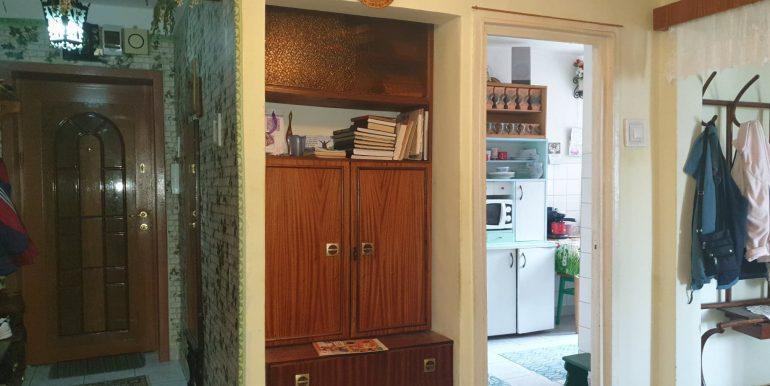 Apartament 3 camere de vanzare, str. Sovata, Oradea AP0851 - 01
