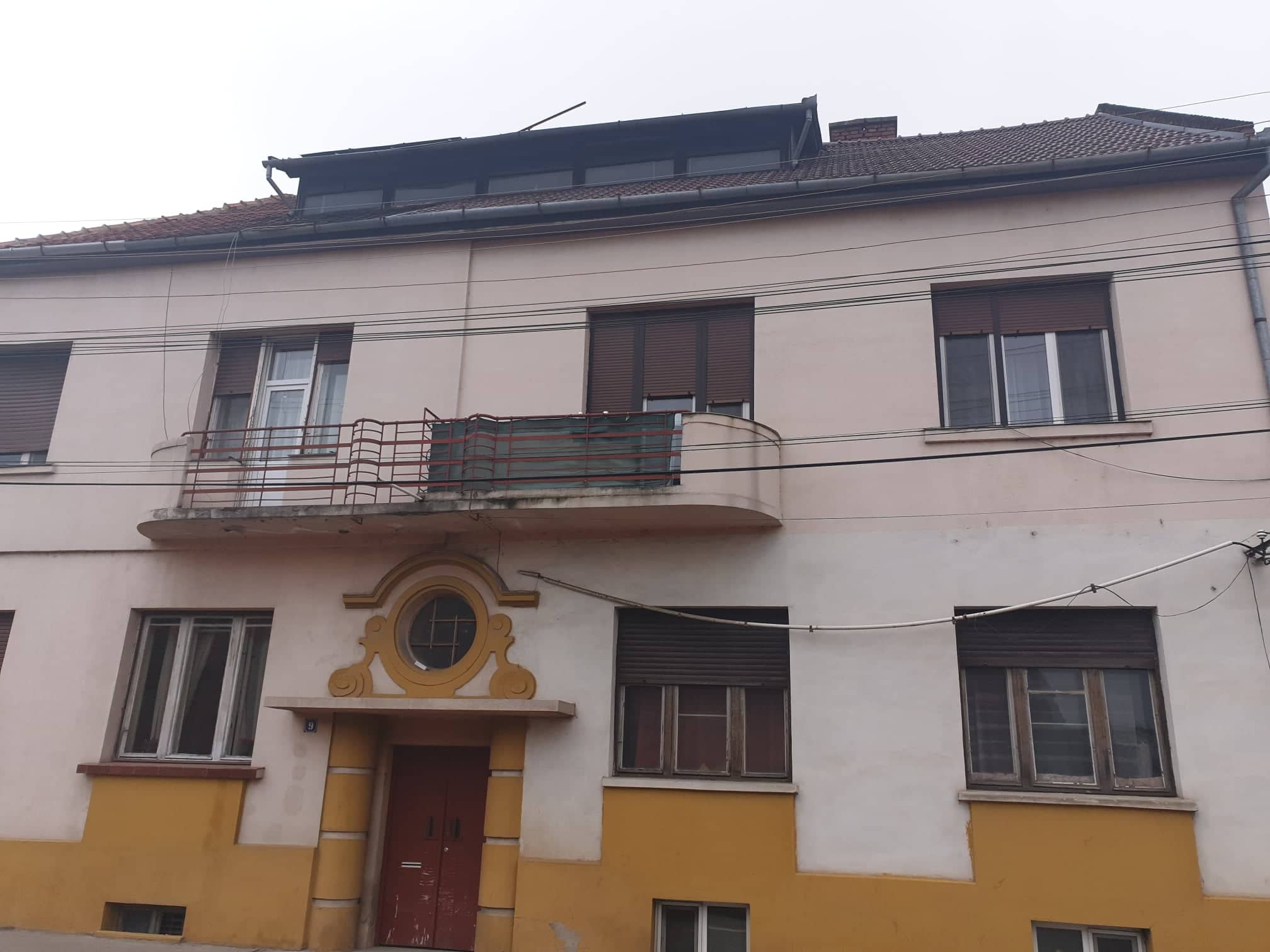 Apartament la casa de vanzare, str. M. Viteazul – AP0853