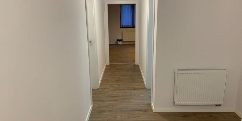 Apartament 3 camere de inchiriat, central, Oradea AP0869 - 01